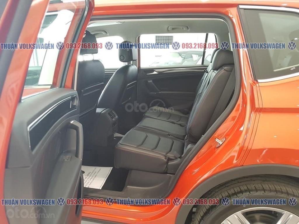 Khuyến mãi tháng 2/2021 Volkswagen Tiguan Luxury màu cam giảm cực khủng 120 triệu tiền mặt+ gói quà tặng cực hấp dẫn (9)