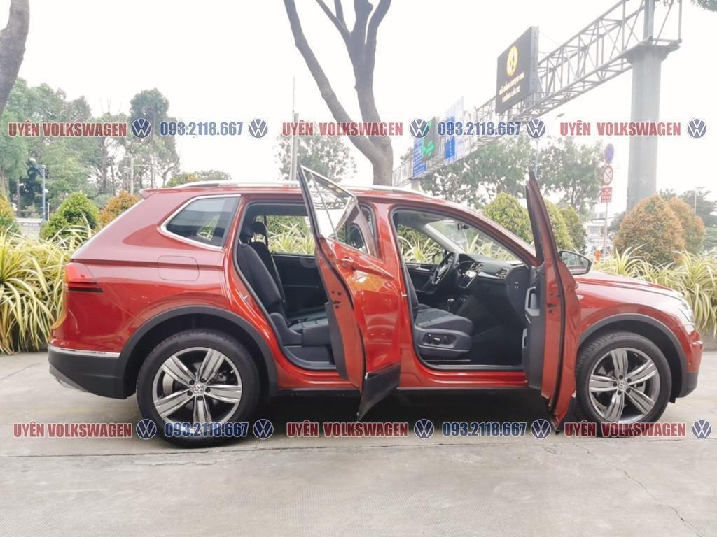 Ưu đãi lớn lên đến 100tr cho xe Tiguan Luxury S + gói phụ kiện cao cấp của hãng, liên hệ Ms. Uyên để được hỗ trợ tốt nhất (4)
