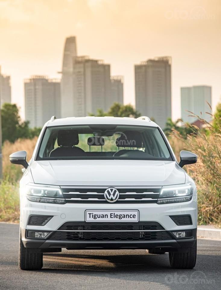 Ưu đãi xe Volkswagen Tiguan Elegance 2021 vừa ra mắt. Tặng IP 12 + Gói phụ kiện chính hãng cao cấp (1)