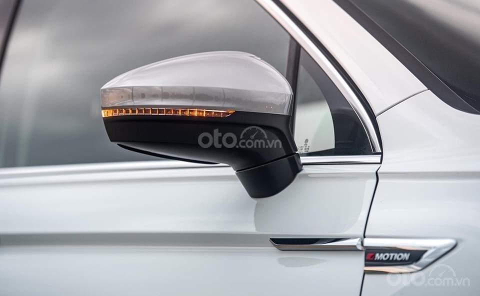 Ưu đãi xe Volkswagen Tiguan Elegance 2021 vừa ra mắt. Tặng IP 12 + Gói phụ kiện chính hãng cao cấp (6)