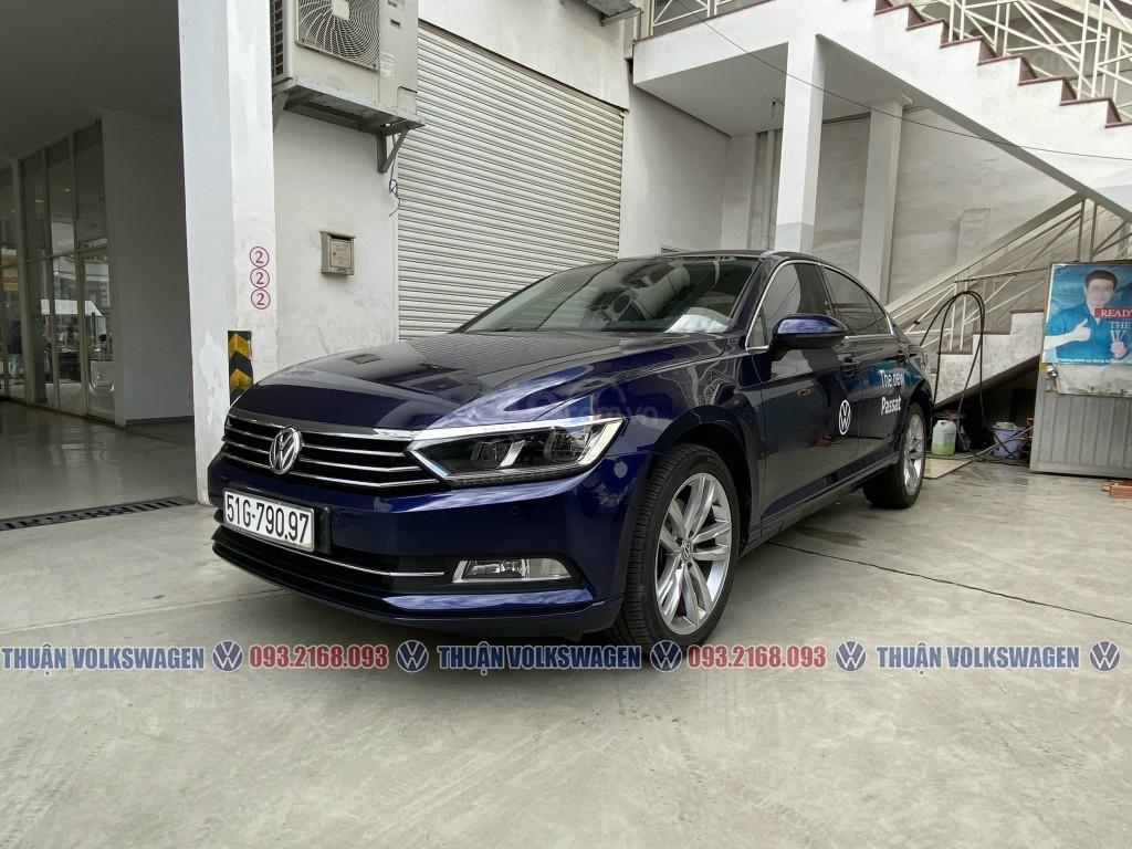 Công ty cần đổi xe test drive nên bán lại Passat Bluemotion High, giao xe ngay cho KH cần xe đi tết lh Mr. Thuận (2)