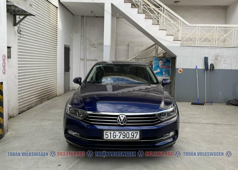 Công ty cần đổi xe test drive nên bán lại Passat Bluemotion High, giao xe ngay cho KH cần xe đi tết lh Mr. Thuận (5)