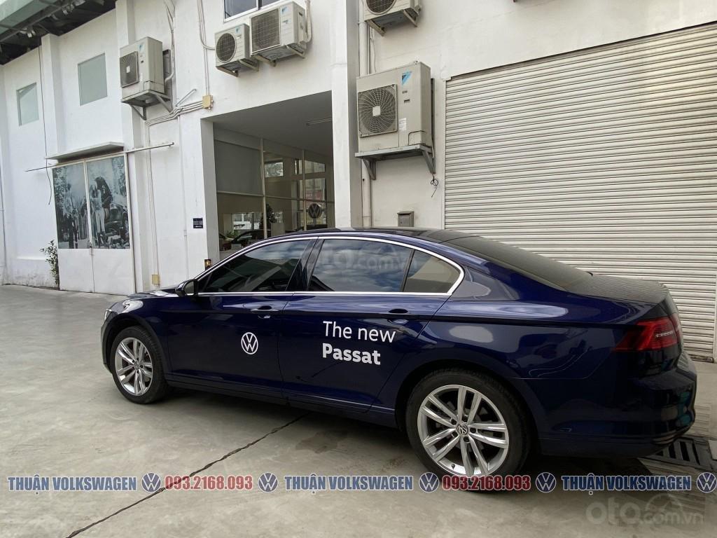 Công ty cần đổi xe test drive nên bán lại Passat Bluemotion High, giao xe ngay cho KH cần xe đi tết lh Mr. Thuận (7)