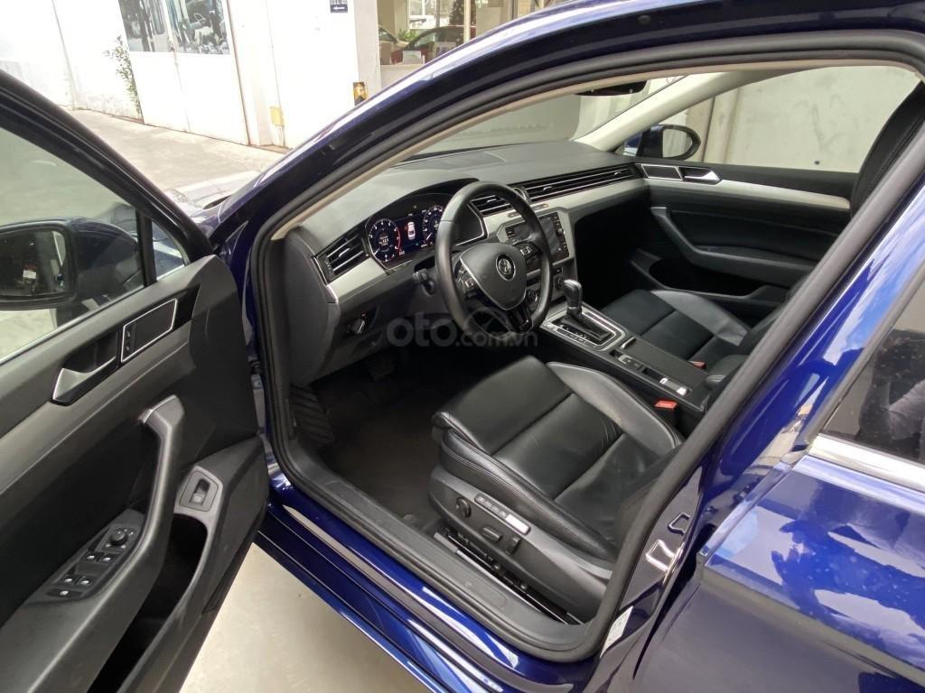 Công ty cần đổi xe test drive nên bán lại Passat Bluemotion High, giao xe ngay cho KH cần xe đi tết lh Mr. Thuận (10)