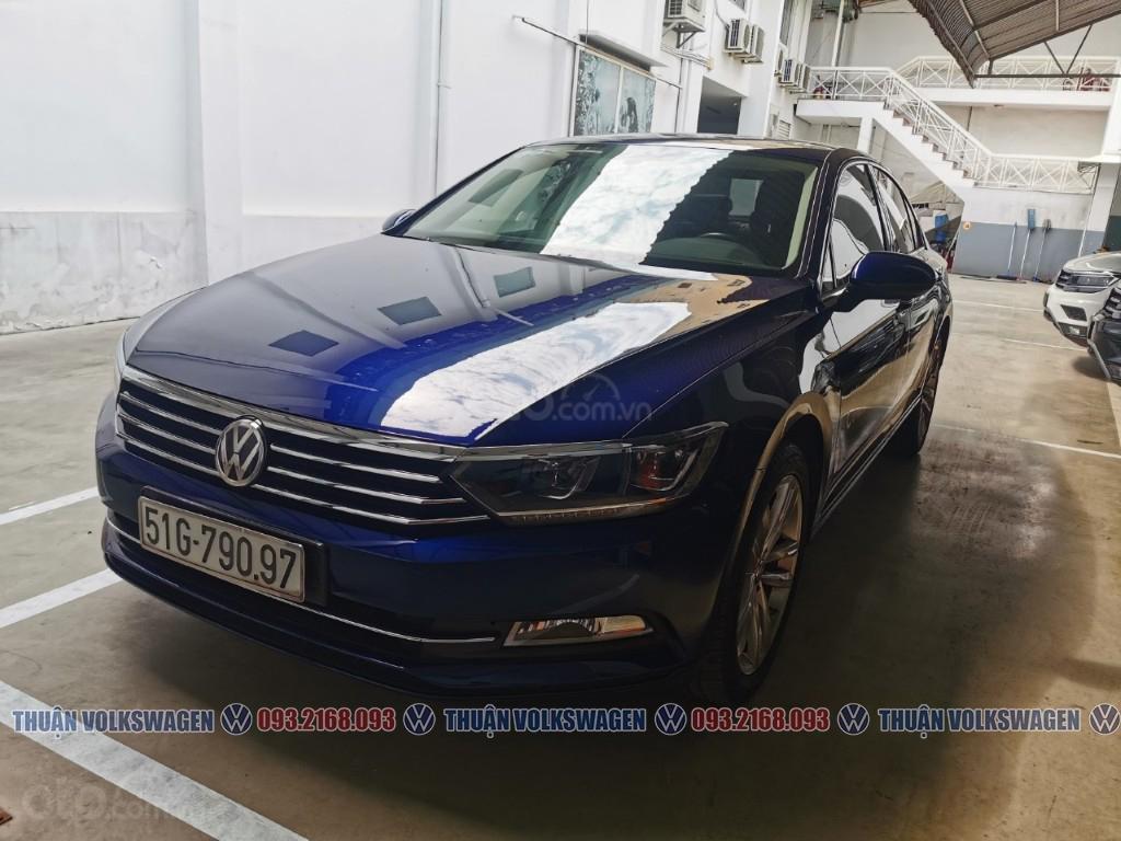 Công ty cần đổi xe test drive nên bán lại Passat Bluemotion High, giao xe ngay cho KH cần xe đi tết lh Mr. Thuận (11)