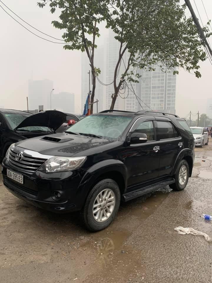 Cần bán xe Toyota Fortuner G 2.5 2014, màu đen, biển thủ đô (2)