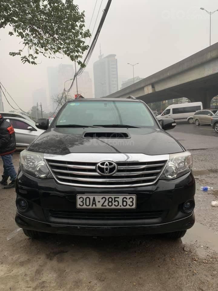 Cần bán xe Toyota Fortuner G 2.5 2014, màu đen, biển thủ đô (1)