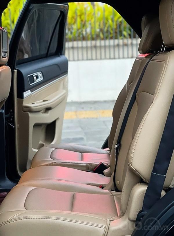 Bán ô tô Ford Explorer Limited 2.3L năm sản xuất 2016, màu đen (5)