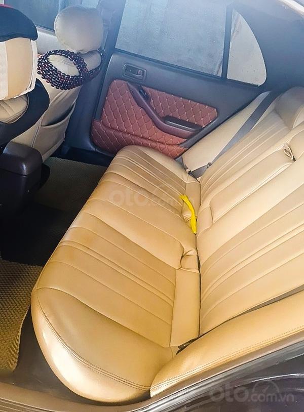 Cần bán gấp Toyota Camry năm 1993, màu đen, nhập khẩu (2)