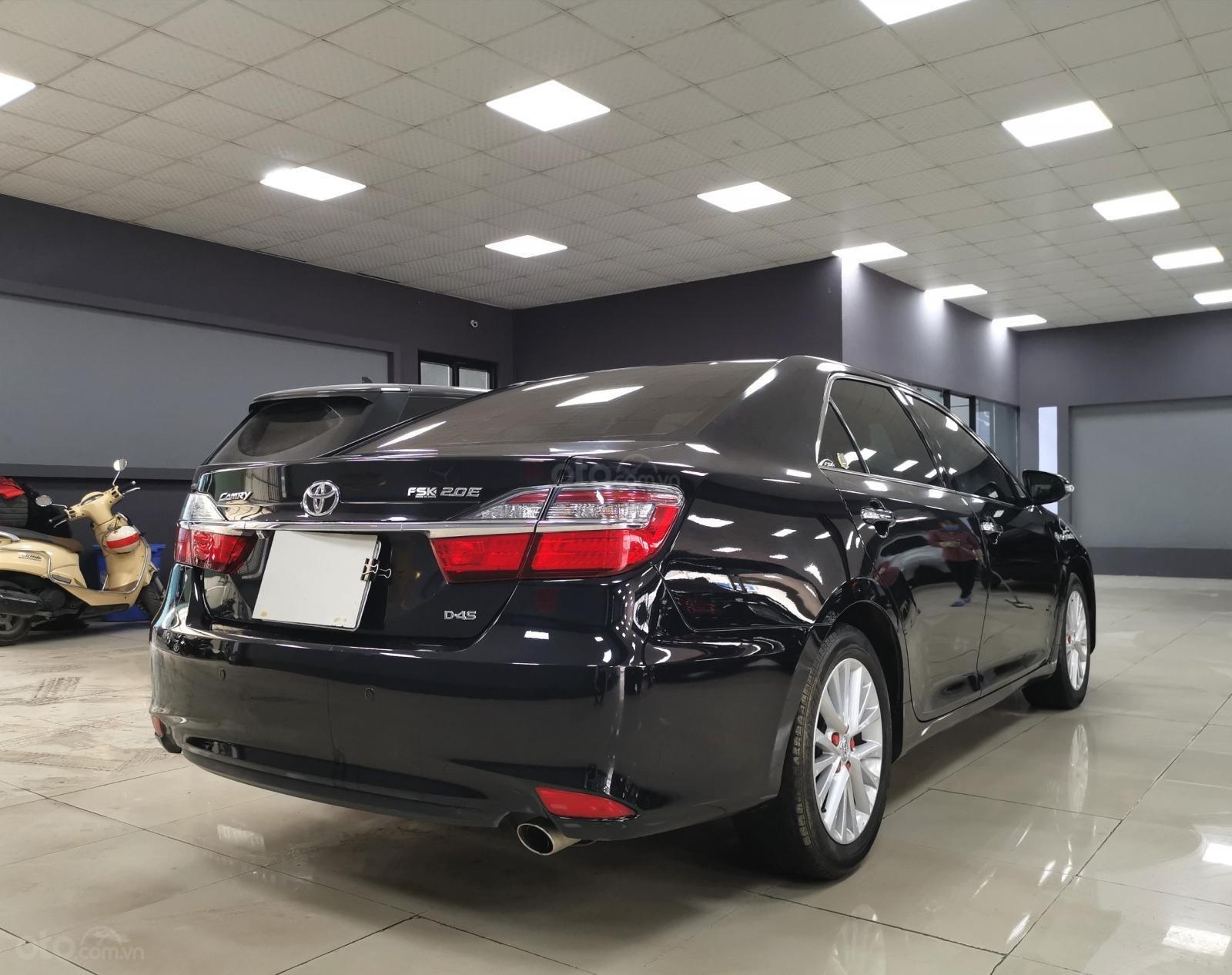 Bán nhanh chiếc Toyota Camry 2.0E 2019 (4)