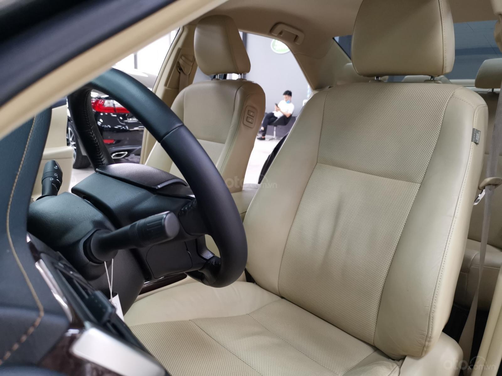 Bán nhanh chiếc Toyota Camry 2.0E 2019 (12)
