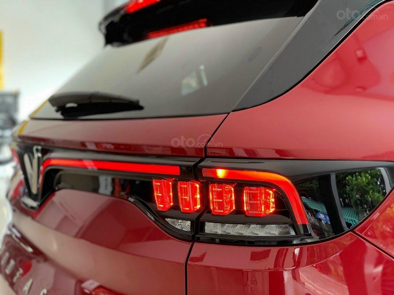 VinFast Lux SA 2.0 2021 ưu đãi hỗ trợ vay 90%, đủ màu, xe sẵn giao ngay, thuế 0đ (5)