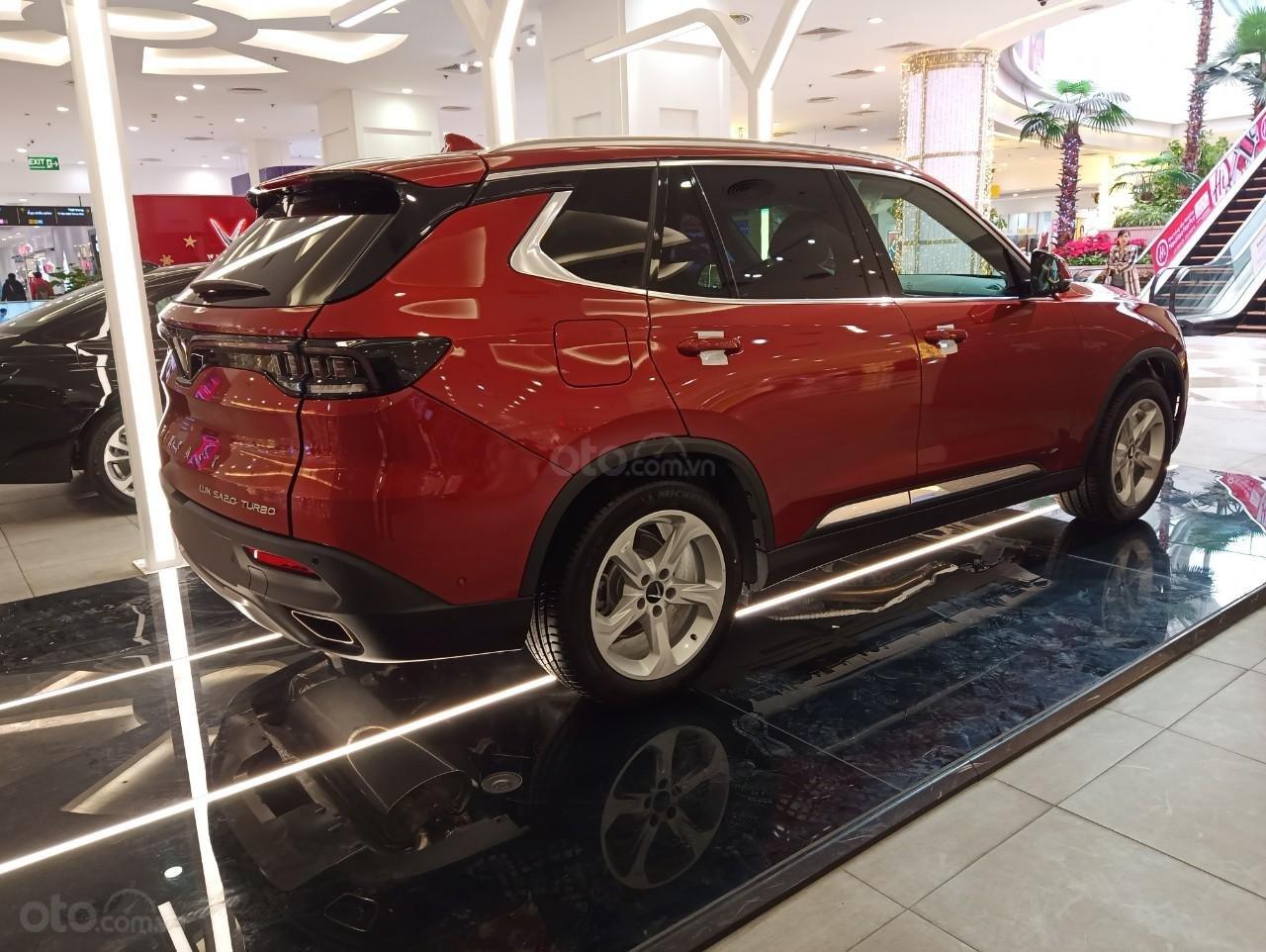VinFast Lux SA 2.0 2021 ưu đãi hỗ trợ vay 90%, đủ màu, xe sẵn giao ngay, thuế 0đ (4)