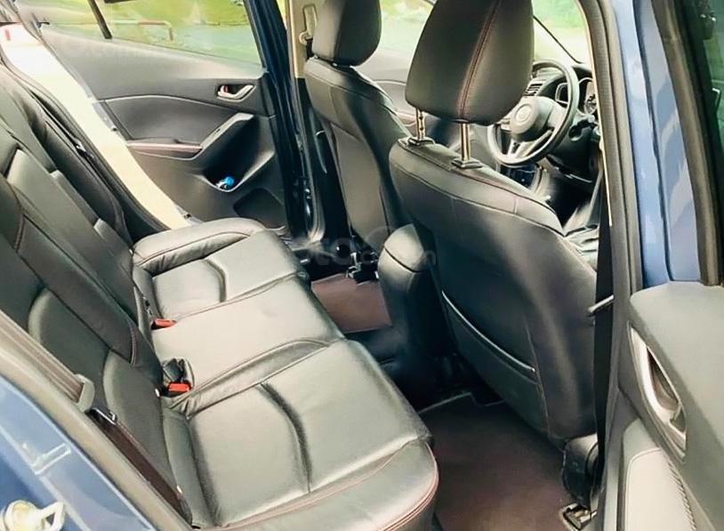 Cần bán xe Mazda 3 sản xuất 2017, màu xanh lam (2)