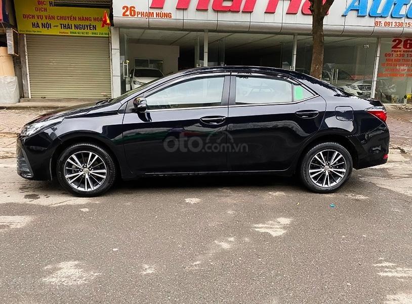 Xe Toyota Corolla Altis sản xuất năm 2018, màu đen, 660tr (1)