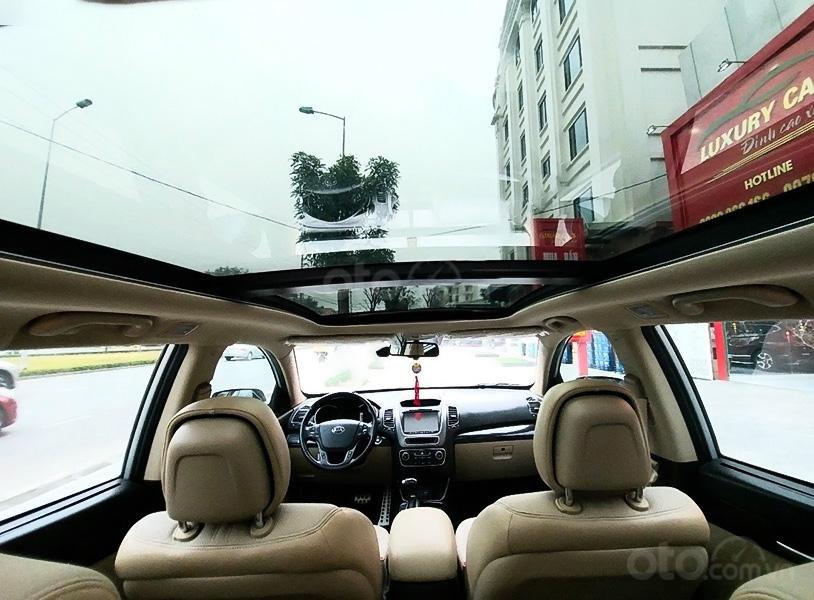 Cần bán lại xe Kia Sorento đời 2018, màu bạc, giá chỉ 798 triệu (3)