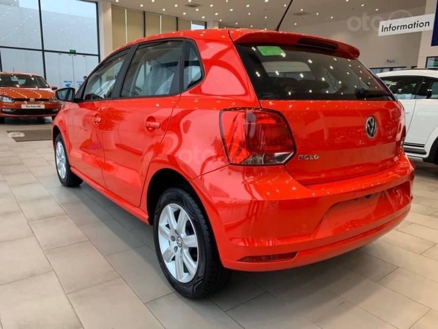 Bán ô tô Volkswagen Polo Hatchback 2018, màu đỏ, nhập khẩu nguyên chiếc - hỗ trợ 100% trước bạ (4)
