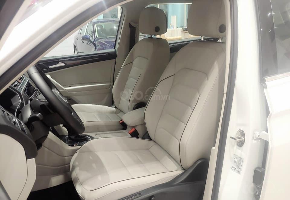 Báo giá: Giảm ngay ưu đãi tiền mặt xx triệu T3/2021 - xe VW Tiguan Luxury S 2021 đủ màu giao ngay, tặng Iphone12 (5)