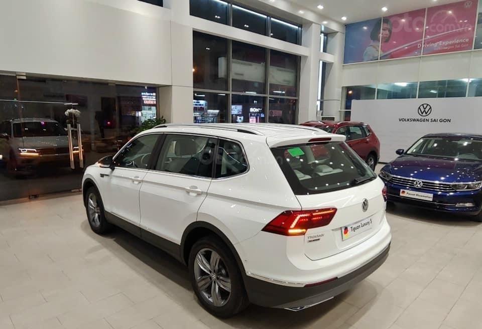 Báo giá: Giảm ngay ưu đãi tiền mặt xx triệu T3/2021 - xe VW Tiguan Luxury S 2021 đủ màu giao ngay, tặng Iphone12 (3)