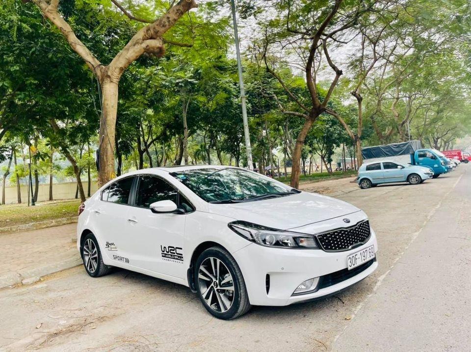 Bán xe Kia Cerato năm sản xuất 2018, màu trắng, chính chủ biển Hà Nội (2)