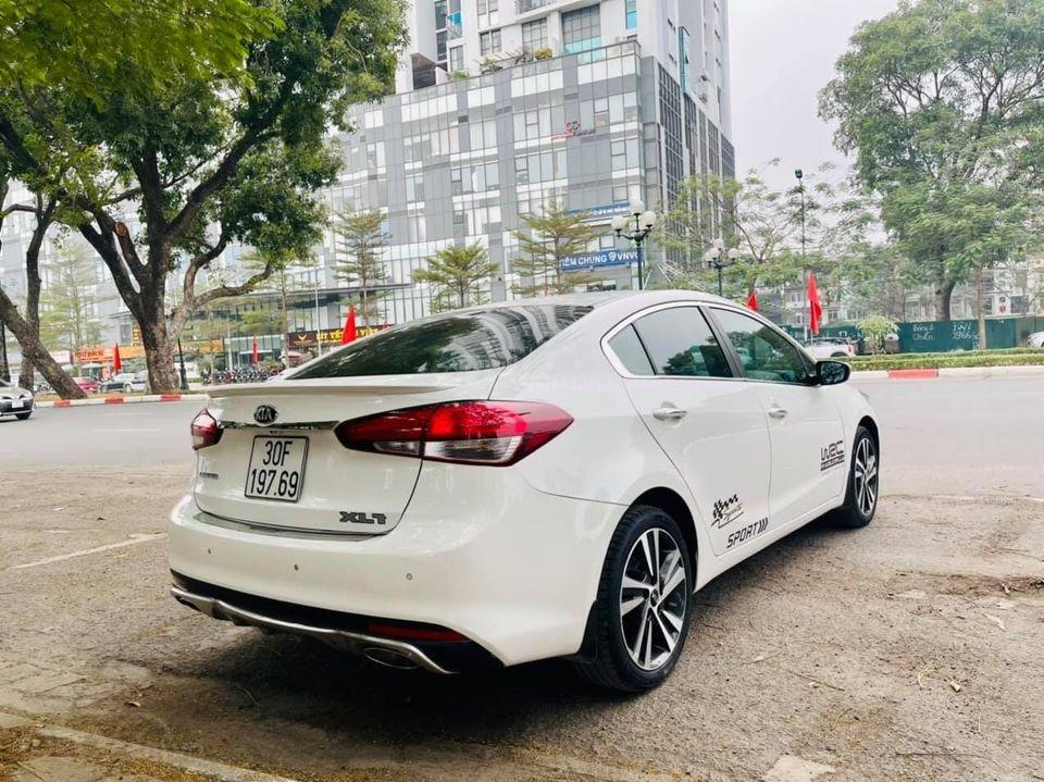 Bán xe Kia Cerato năm sản xuất 2018, màu trắng, chính chủ biển Hà Nội (3)