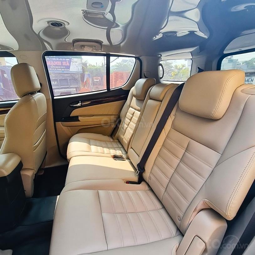 Bán xe Isuzu mu-X sản xuất 2019, màu bạc, giá chỉ 688 triệu (3)