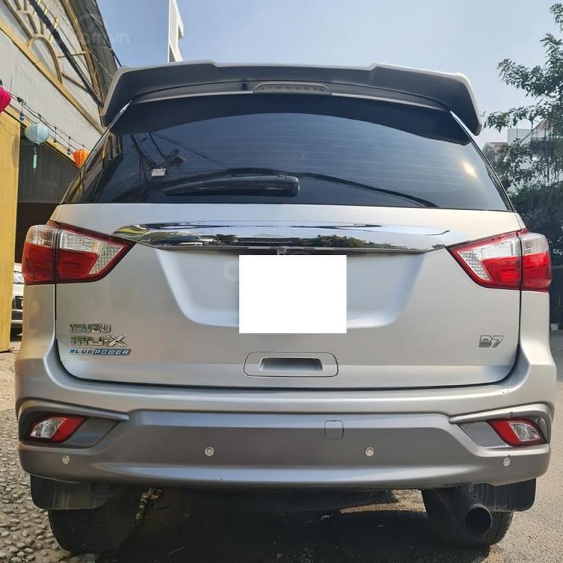 Bán xe Isuzu mu-X sản xuất 2019, màu bạc, giá chỉ 688 triệu (2)