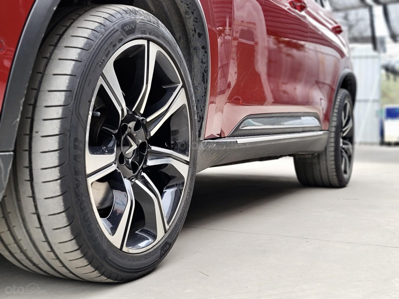 VinFast LUX SA2.0 Turbo Premium sản xuất năm 2019 (15)