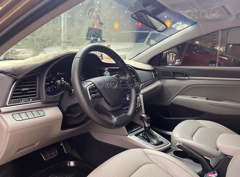 Bán ô tô Hyundai Elantra 2.0AT đời 2016, màu nâu  (3)