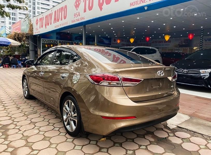 Bán ô tô Hyundai Elantra 2.0AT đời 2016, màu nâu  (4)