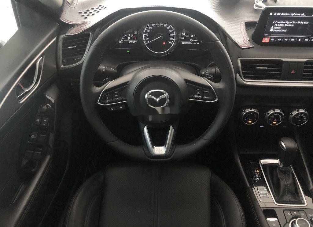 Cần bán gấp Mazda 3 sản xuất 2019 còn mới, giá 665tr (10)