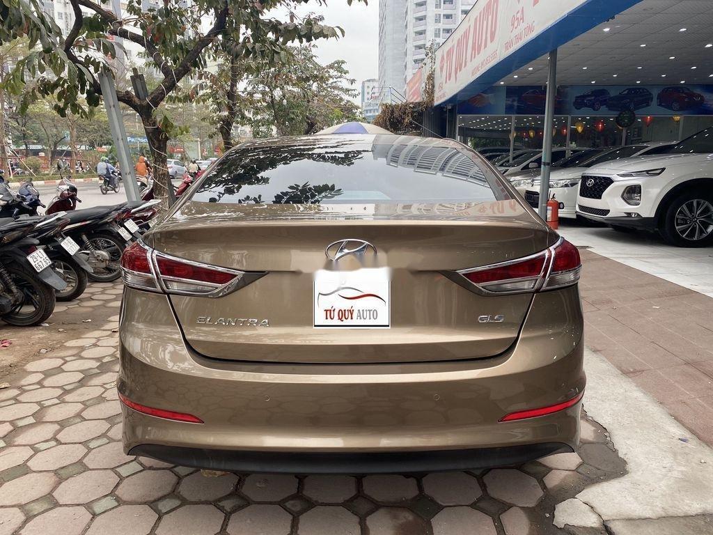 Cần bán lại xe Hyundai Elantra 2.0AT sản xuất năm 2016, 558 triệu (2)