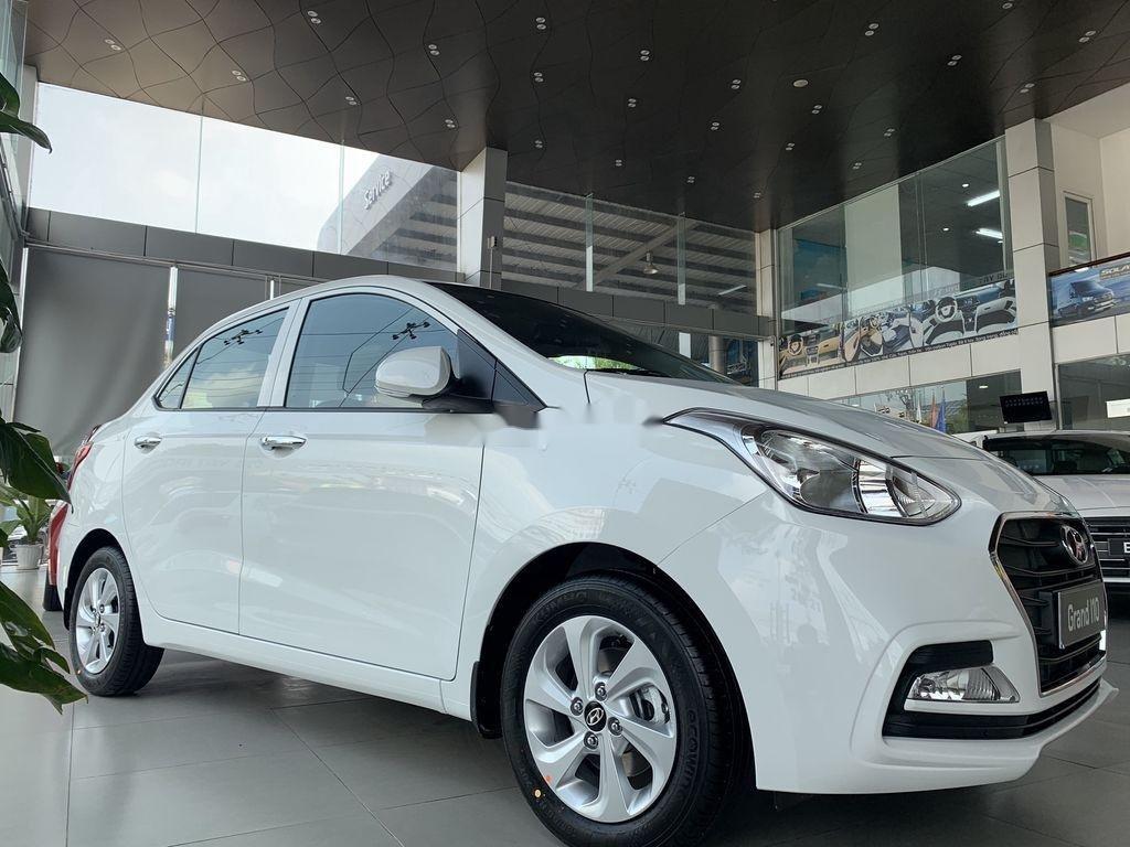 Cần bán Hyundai Grand i10 1.2AT năm 2021, giá thấp (1)