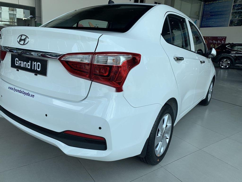 Cần bán Hyundai Grand i10 1.2AT năm 2021, giá thấp (5)