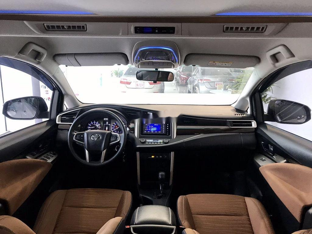 Bán Toyota Innova sản xuất 2019 như mới (6)