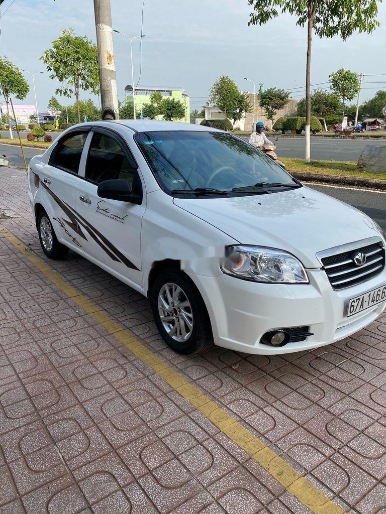Bán xe Daewoo Gentra 2009, màu trắng còn mới (5)