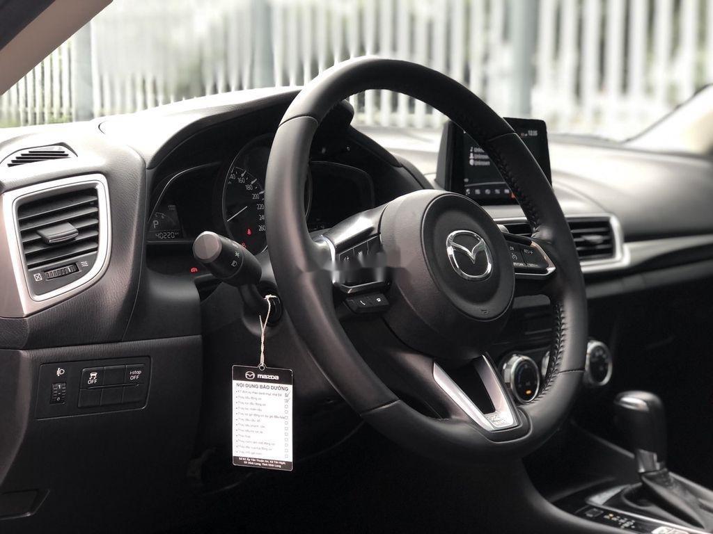 Cần bán gấp Mazda 3 năm 2018 xe gia đình giá cạnh tranh (8)