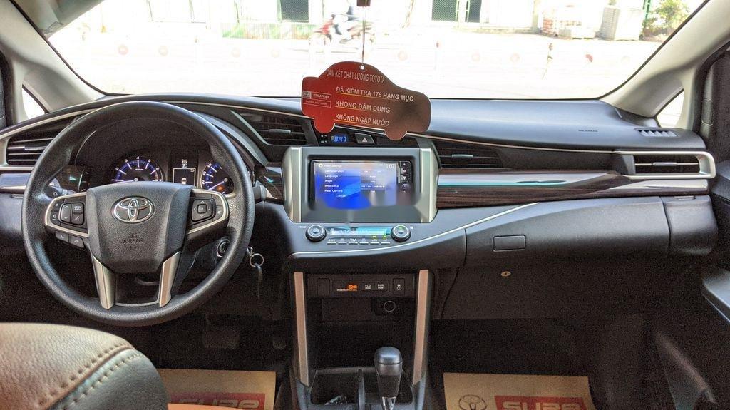 Cần bán gấp Toyota Innova sản xuất năm 2018, giá tốt (6)