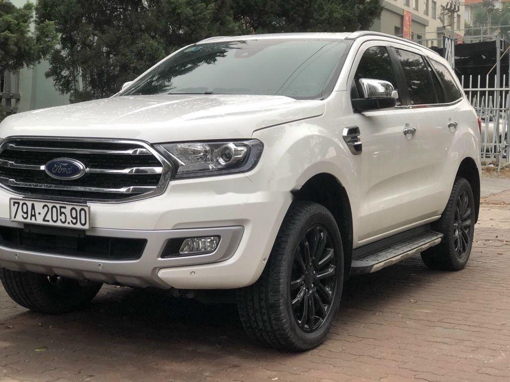 Bán Ford Everest Titanium sản xuất 2018 còn mới (3)