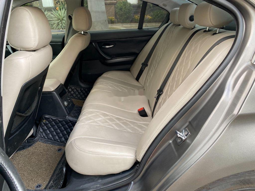 Xe BMW 3 Series 320i năm 2009 còn mới, giá ưu đãi (7)