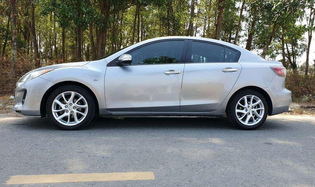 Bán Mazda 3 năm sản xuất 2013 còn mới, giá chỉ 375 triệu (5)