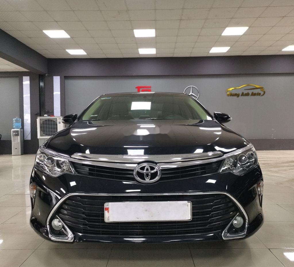 Bán Toyota Camry 2.0E sản xuất năm 2019 còn mới (1)