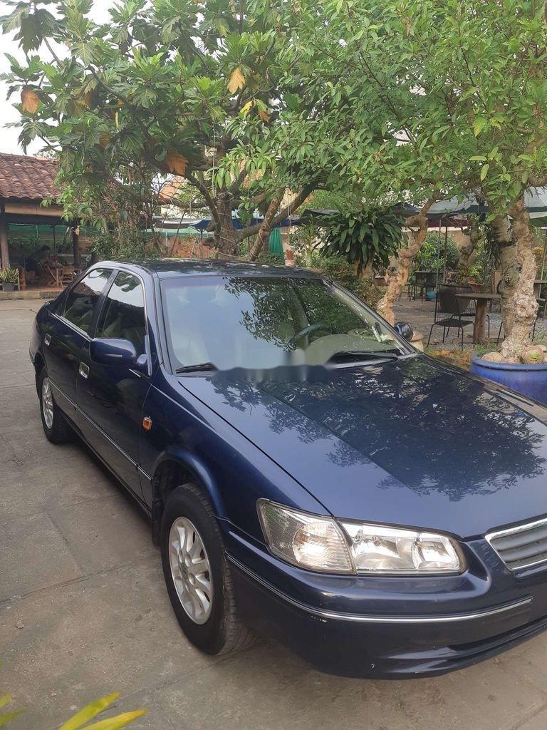 Cần bán gấp Toyota Camry đời 2001, màu xanh lam (5)