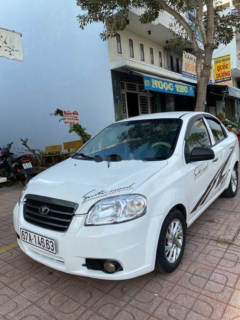 Bán xe Daewoo Gentra 2009, màu trắng còn mới (1)
