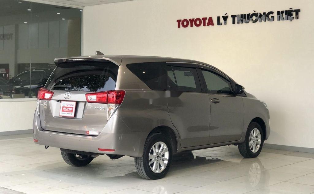 Bán Toyota Innova sản xuất 2019 như mới (9)