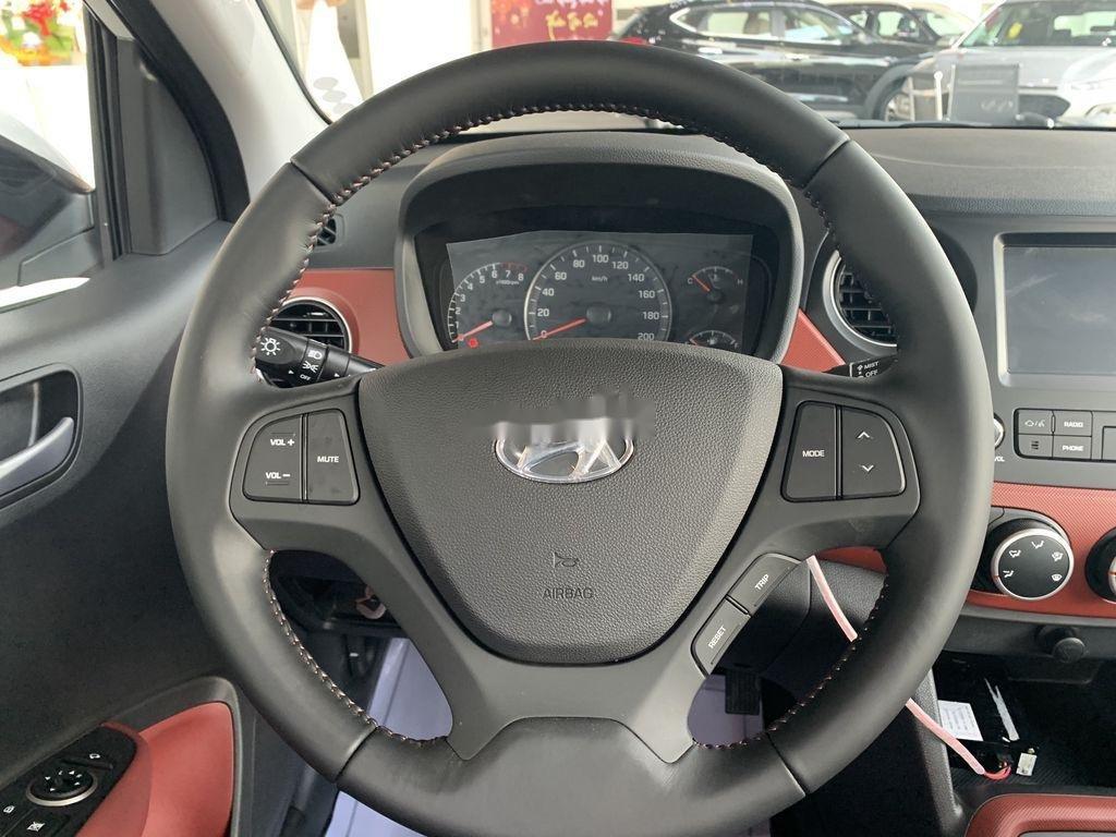 Cần bán Hyundai Grand i10 1.2AT năm 2021, giá thấp (11)