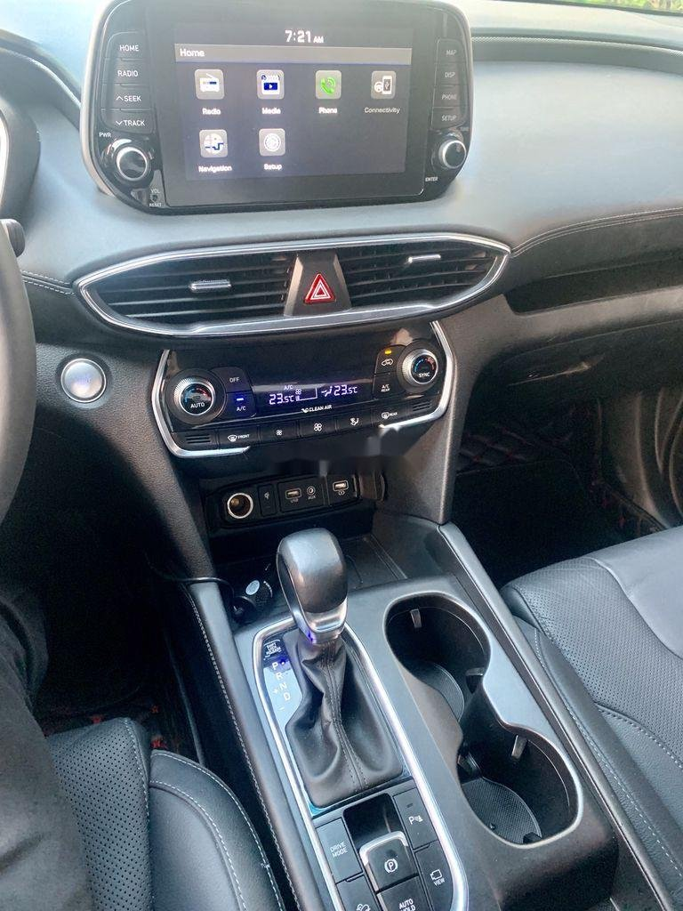 Bán xe Hyundai Santa Fe sản xuất năm 2019 còn mới (10)