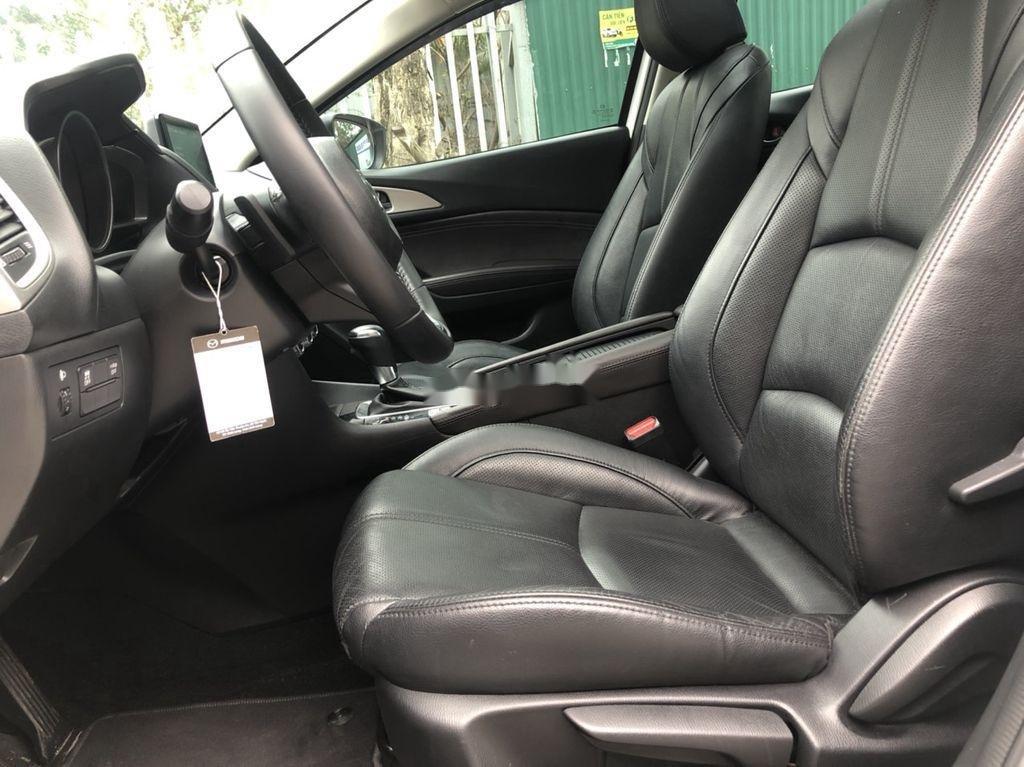 Cần bán gấp Mazda 3 năm 2018 xe gia đình giá cạnh tranh (10)
