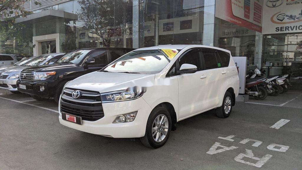 Cần bán gấp Toyota Innova sản xuất năm 2018, giá tốt (2)