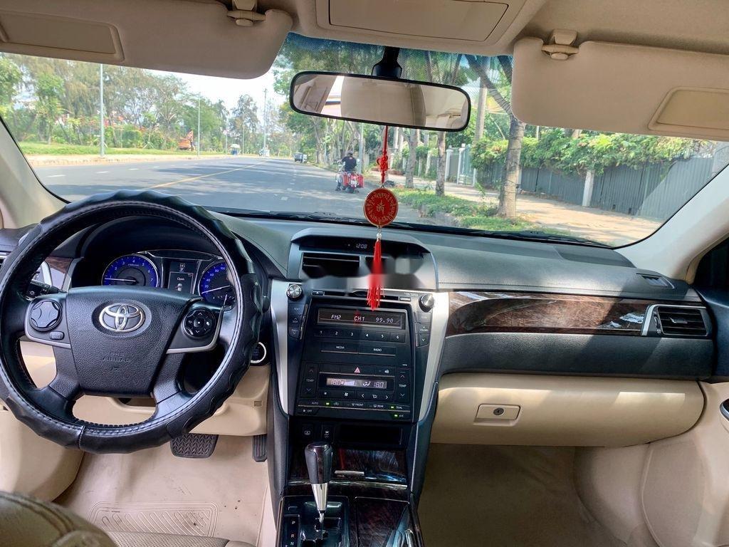 Cần bán Toyota Camry sản xuất 2015, giá chỉ 745 triệu (8)